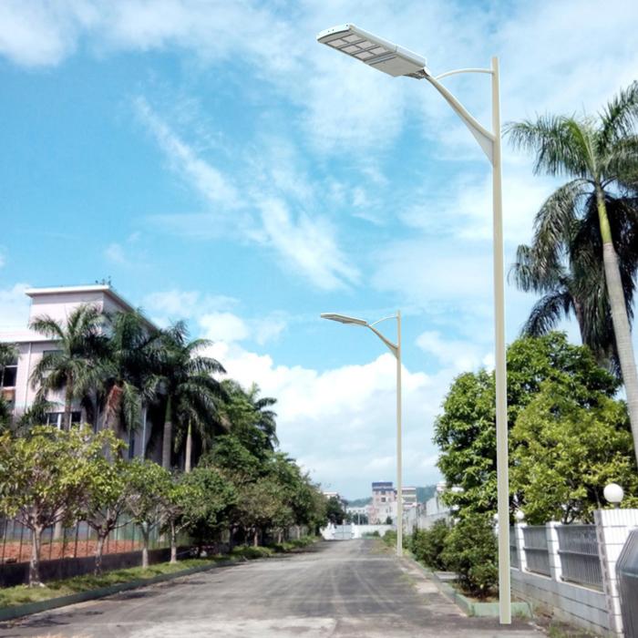 إنارة الشوارع بالطاقة الشمسية